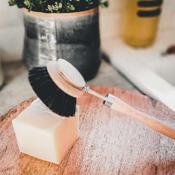 Brosse à vaisselle écologique avec crin de cheval noir