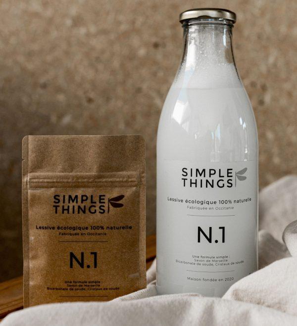 kit découverte lessive naturelle qui se compose d'une bouteille et d'une recharge